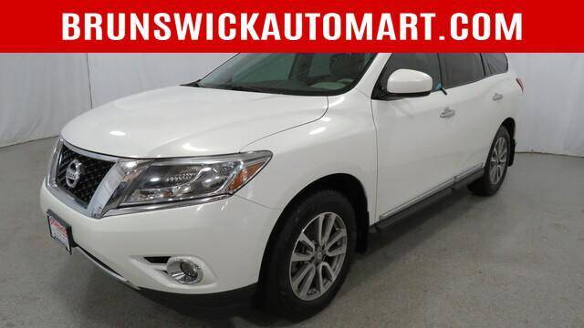 2014 Nissan Pathfinder for sale at Brunswick Auto Mart in Brunswick OH