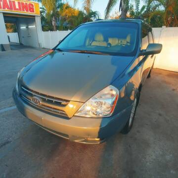 2006 Kia Sedona for sale at Autos by Tom in Largo FL