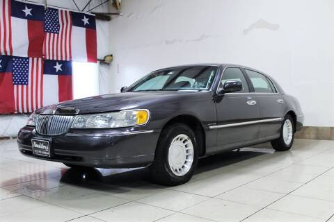 2000 Lincoln Town Car for sale at ROADSTERS AUTO in Houston TX