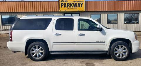 2009 GMC Yukon XL for sale at Parkway Motors in Springfield IL