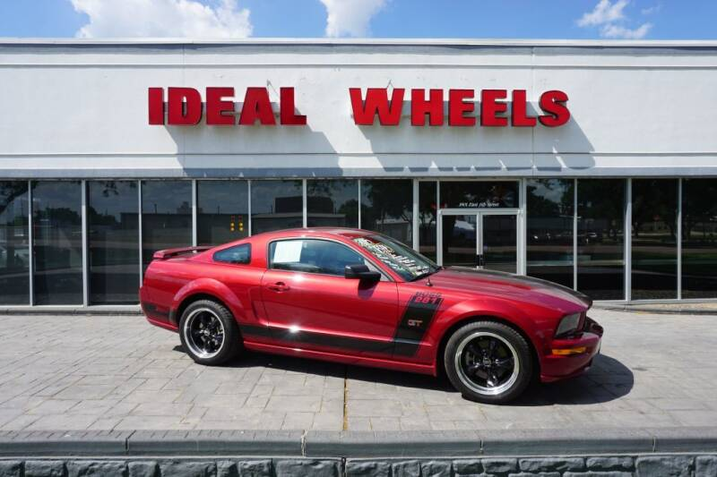 2005 Ford Mustang for sale at Ideal Wheels in Sioux City IA