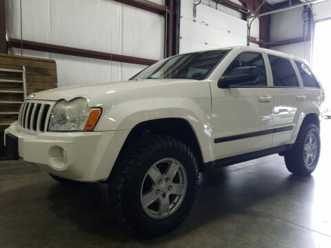 2007 Jeep Grand Cherokee for sale at Hometown Automotive Service & Sales in Holliston MA