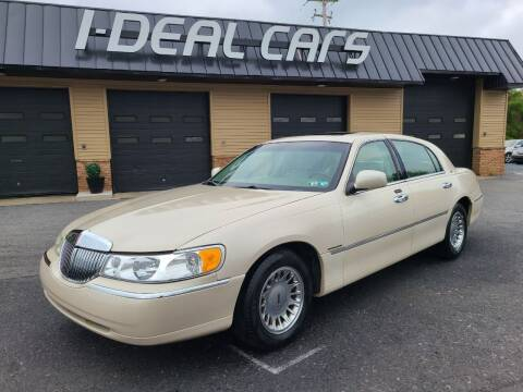 2001 Lincoln Town Car for sale at I-Deal Cars in Harrisburg PA