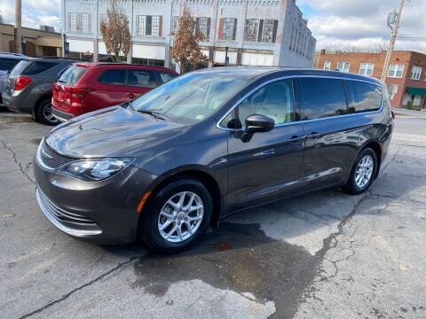 2017 Chrysler Pacifica for sale at East Main Rides in Marion VA
