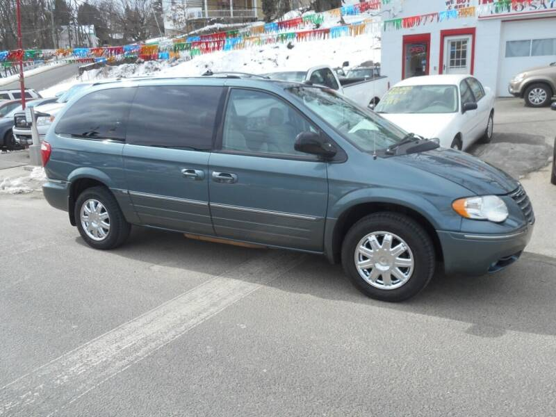 2005 Chrysler Town and Country for sale at Ricciardi Auto Sales in Waterbury CT
