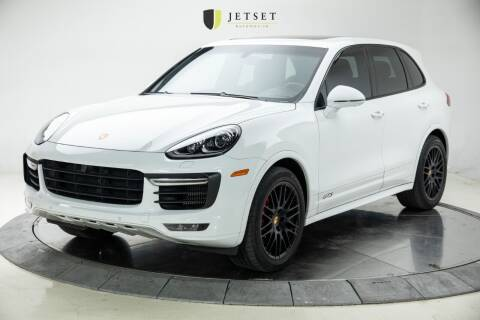 2017 Porsche Cayenne for sale at Jetset Automotive in Cedar Rapids IA