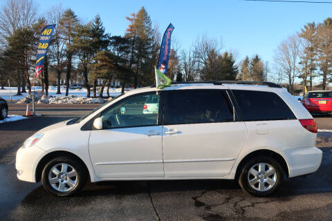 2005 Toyota Sienna for sale at GEG Automotive in Gilbertsville PA