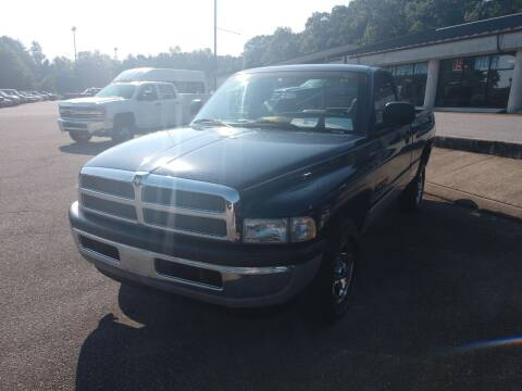 2001 Dodge Ram Pickup 1500 for sale at Modern Motors - Thomasville INC in Thomasville NC