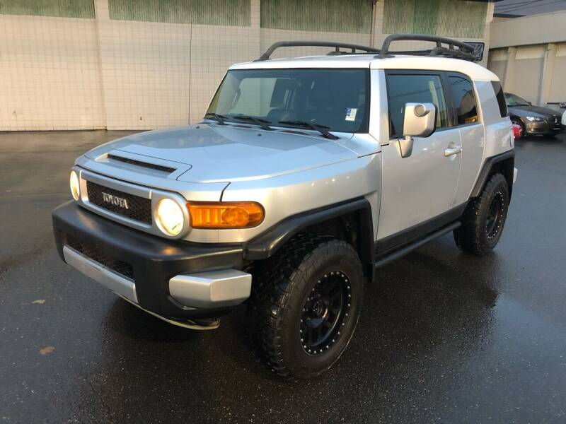 2007 Toyota FJ Cruiser for sale at Vista Auto Sales in Lakewood WA