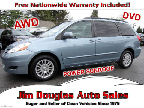 2009 Toyota Sienna for sale at Jim Douglas Auto Sales in Pontiac MI