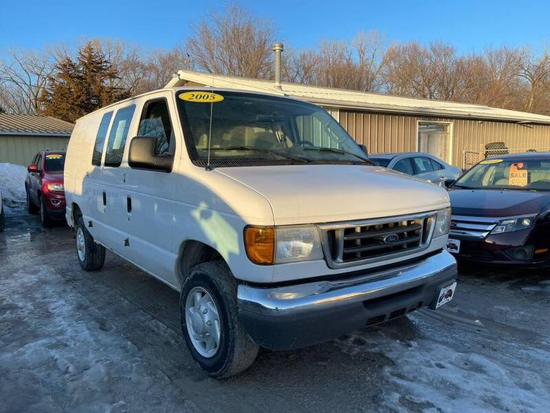 2005 Ford E-Series Cargo for sale at Victor's Auto Sales Inc. in Indianola IA