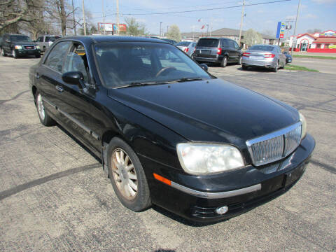 2005 Hyundai XG350 for sale at U C AUTO in Urbana IL