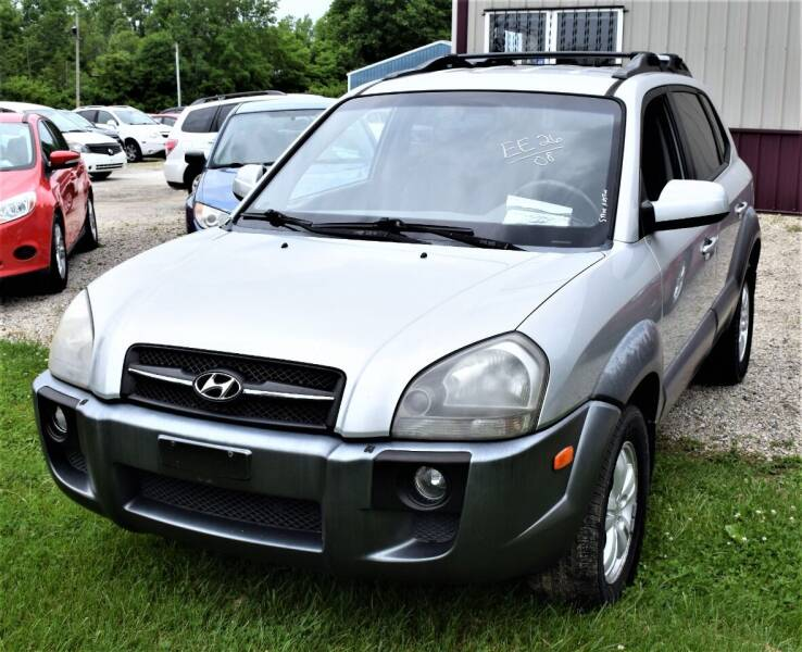2008 Hyundai Tucson for sale at PINNACLE ROAD AUTOMOTIVE LLC in Moraine OH