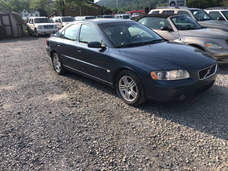 2005 Volvo S60 4dr 2.5T Turbo Sedan - East Freedom PA