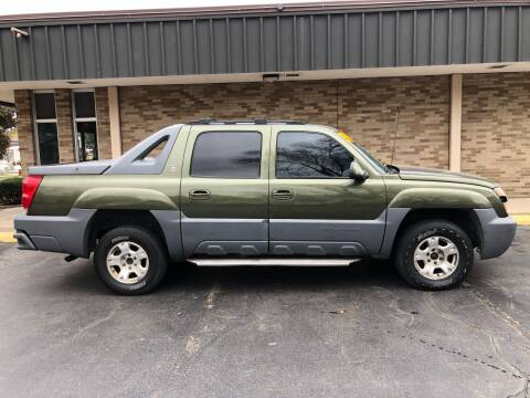 2002 Chevrolet Avalanche for sale at Arandas Auto Sales in Milwaukee WI
