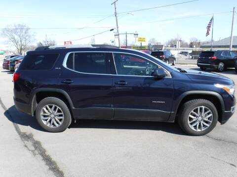 2017 GMC Acadia for sale at Dave's Car Corner in Hartford City IN