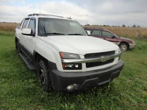 2003 Chevrolet Avalanche for sale at CARZ R US 1 in Heyworth IL
