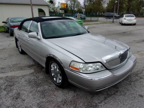 2003 Lincoln Town Car for sale at Car Credit Auto Sales in Terre Haute IN