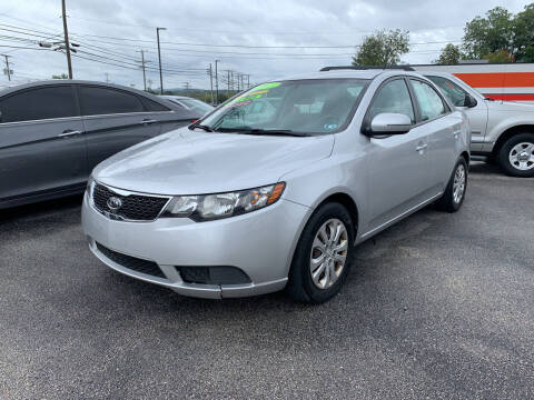2013 Kia Forte for sale at Credit Connection Auto Sales Dover in Dover PA