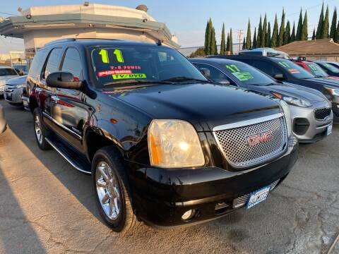 2011 GMC Yukon for sale at CAR GENERATION CENTER, INC. in Los Angeles CA
