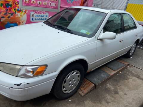 1998 Toyota Camry for sale at International Auto Sales Inc in Staten Island NY