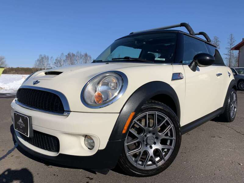2009 MINI Cooper for sale at LUXURY IMPORTS in Hermantown MN