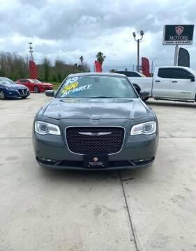 2019 Chrysler 300 for sale at A & V MOTORS in Hidalgo TX