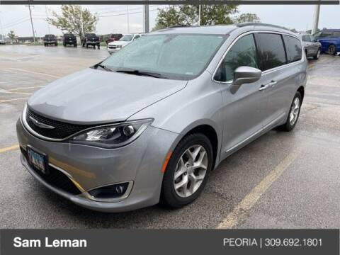 2017 Chrysler Pacifica for sale at Sam Leman Chrysler Jeep Dodge of Peoria in Peoria IL
