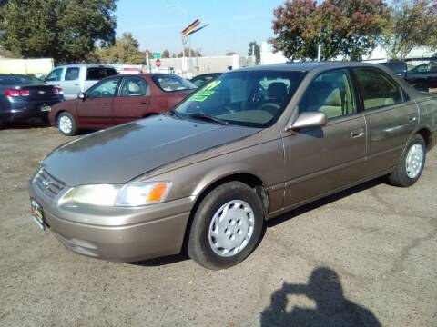 1999 Toyota Camry for sale at Larry's Auto Sales Inc. in Fresno CA
