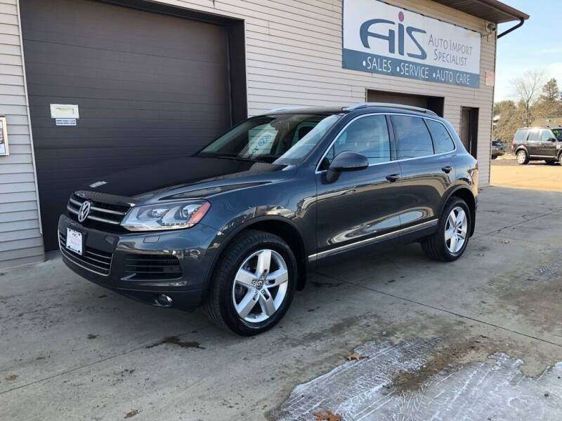 2012 Volkswagen Touareg for sale at Auto Import Specialist LLC in South Bend IN