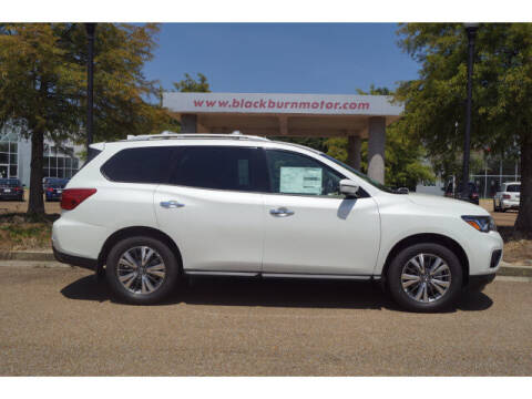2020 Nissan Pathfinder for sale at BLACKBURN MOTOR CO in Vicksburg MS