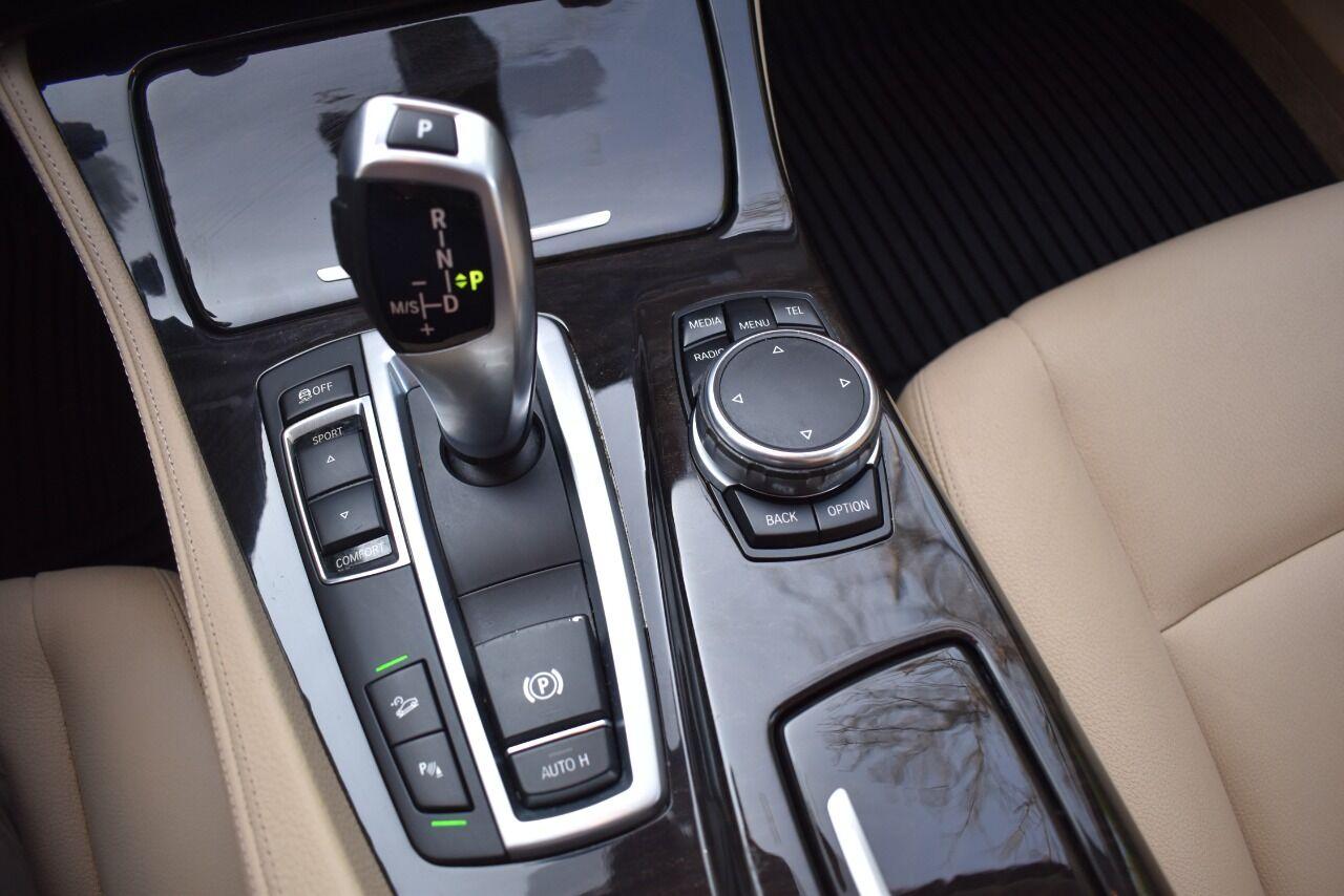 2015 BMW 5 Series 535i xDrive AWD 4dr Sedan full