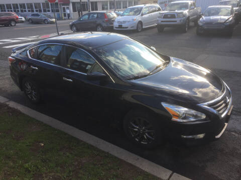 2015 Nissan Altima for sale at UNION AUTO SALES in Vauxhall NJ