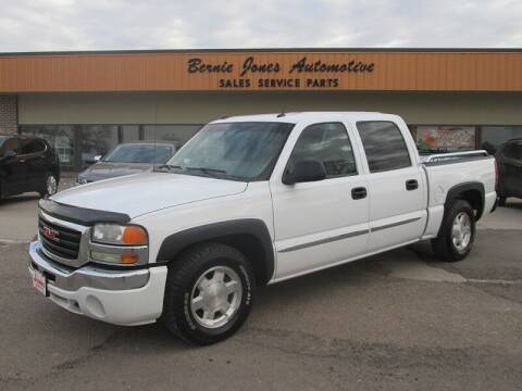 2005 GMC Sierra 1500 for sale at Bernie Jones Auto in Cambridge NE