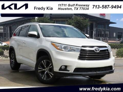2016 Toyota Highlander for sale at FREDY KIA USED CARS in Houston TX