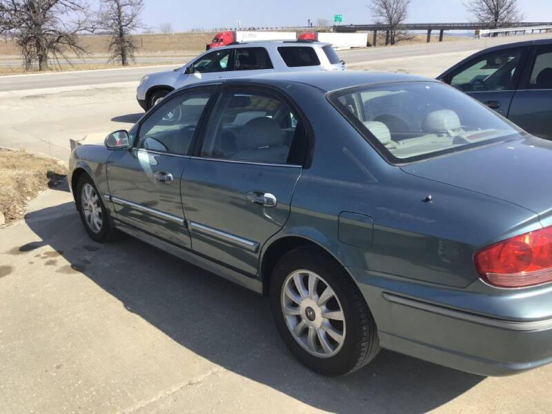 2004 Hyundai Sonata for sale at LA AUTO in Bates City MO