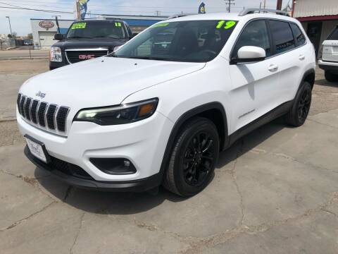 2019 Jeep Cherokee for sale at MAGIC AUTO SALES, LLC in Nampa ID