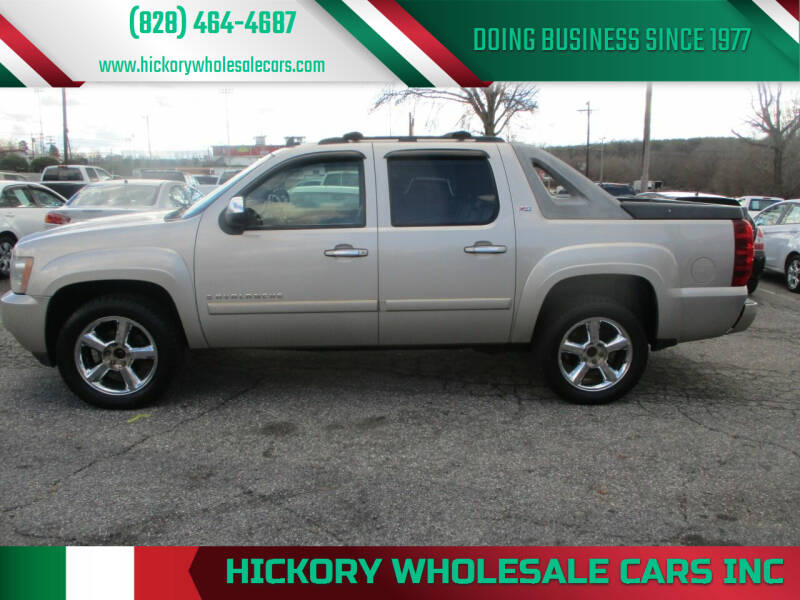 2007 Chevrolet Avalanche for sale at Hickory Wholesale Cars Inc in Newton NC