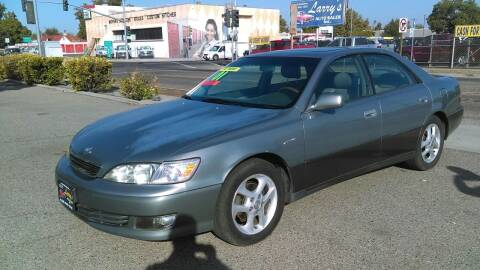 2001 Lexus ES 300 for sale at Larry's Auto Sales Inc. in Fresno CA
