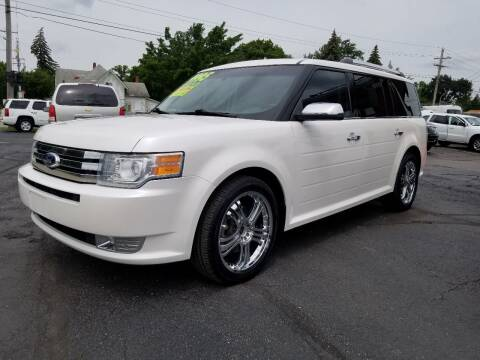2011 Ford Flex for sale at DALE'S AUTO INC in Mount Clemens MI