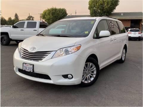 2017 Toyota Sienna for sale at Carros Usados Fresno in Clovis CA