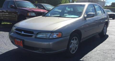 1999 Nissan Altima for sale at Knowlton Motors, Inc. in Freeport IL