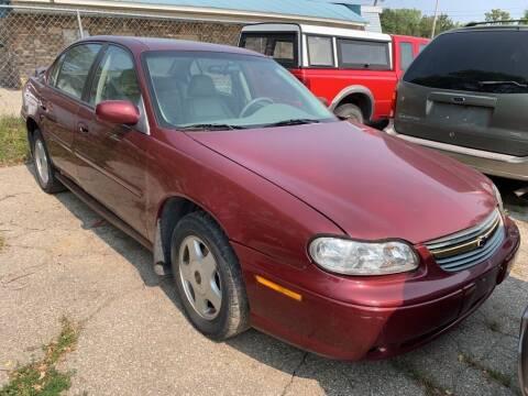 2001 Chevrolet Malibu for sale at ALVAREZ AUTO SALES in Des Moines IA