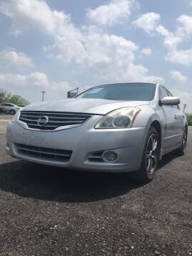2012 Nissan Altima for sale at Texas Country Auto Sales LLC in Austin TX