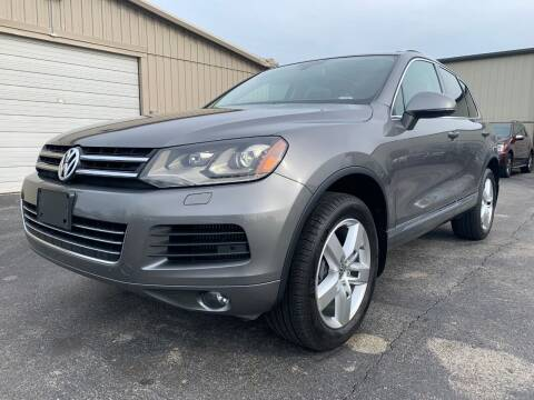 2011 Volkswagen Touareg for sale at Driving Xcellence in Jeffersonville IN