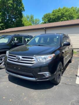 2011 Toyota Highlander for sale at Chinos Auto Sales in Crystal MN