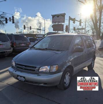 2000 Toyota Sienna for sale at Corridor Motors in Cedar Rapids IA
