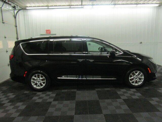 2020 Chrysler Pacifica for sale at Michigan Credit Kings in South Haven MI