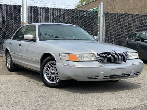 2002 Mercury Grand Marquis for sale at Illinois Auto Sales in Paterson NJ