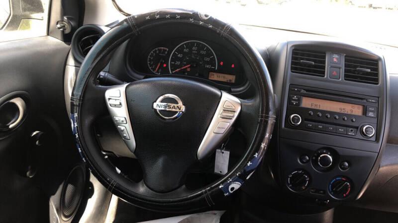 2015 Nissan Versa S - Sanford FL